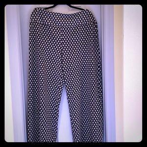 Wide leg fun pattern pants